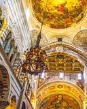 Duomokroonluchter royalty-vrije stock afbeeldingen