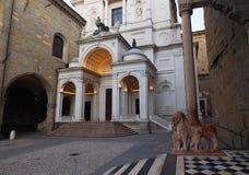 Duomovierkant, alta van Bergamo stock foto