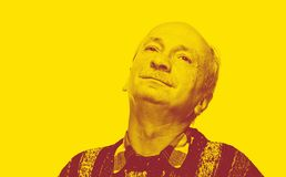 Duotone-Porträt des älteren Mannes stockfotografie