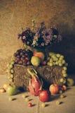 Durée toujours avec des fruits Photographie stock libre de droits