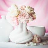 Durée toujours avec des roses Photos stock