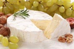 Durée toujours avec du fromage de camembert image libre de droits