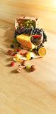 durée toujours saine d'ingrédients de moisson de céréale de pain de fond Photo stock