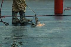 Dur waterproofing do maçarico do propano da instalação fotografia de stock
