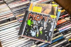 Duran Duran-CD albumdecennium: Grootste Klappen op vertoning voor verkoop, beroemde Engelse nieuwe golfband royalty-vrije stock foto