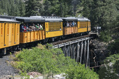 Durango und die Silverton-Schmalspur-Eisenbahn, die Dampf-Maschinen-Zug kennzeichnet, reiten, Colorado, USA Stockbild