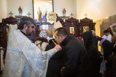 Durante a comemoração do batismo de Jesus na paróquia da igreja ortodoxa do russo Fotografia de Stock