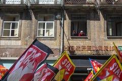 Durante la celebración del primero de mayo en el centro de ciudad Imagen de archivo libre de regalías