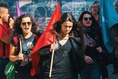 Durante la celebración del primero de mayo en el centro de ciudad Fotos de archivo libres de regalías