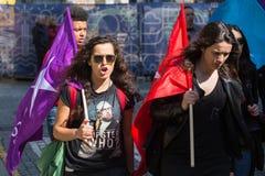 Durante la celebración del primero de mayo en el centro de ciudad Confederación general de trabajadores portugueses Fotografía de archivo libre de regalías