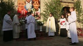 Durante la celebrazione la festività del Corpus Christi (corpo di Cristo) video d archivio