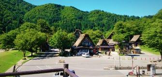 Durante a tarde na estrada de Takayama, Japão imagens de stock