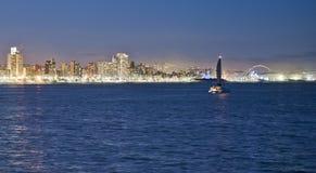 Durban horisont Moses Mabhida Stadium och yacht royaltyfria foton