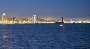 Durban linii horyzontu Mojżesz Mabhida jacht i stadium Zdjęcia Royalty Free