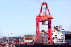Durban Sydafrika behållare Crane Loading Ship i hamn Arkivbild