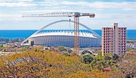 Durban Zuid-Afrika Moses Mabhida Football Stadium en Kraan Stock Afbeelding
