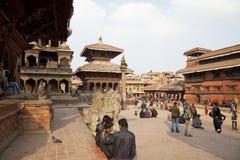 durbar nepal för forntida byggnader patan fyrkant Arkivbilder