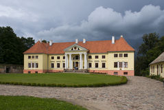 Durbe slott nära Tukums i Lettland arkivfoton
