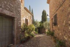 Durch das Dorf von Vilafames in Castellon Stockbilder