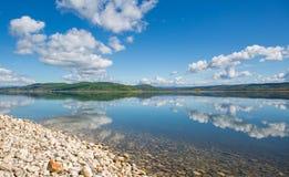 Durch den See Lizenzfreie Stockfotografie
