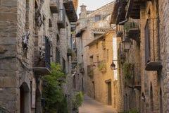 Durch die Stadt von Ainsa Stockfoto