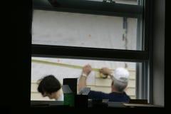 Durch ein Fenster lizenzfreies stockfoto