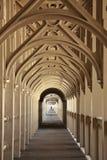 Durch einen Tunnel anlegen Stockfotografie