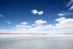 Durch Eis behinderter See Stockfotos