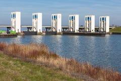 Durch rozładowania śluzy w Houtribdijk blisko Lelystad obraz royalty free