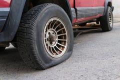 Durchbohrter Reifen Lizenzfreies Stockbild