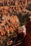 Durchdacht abgefressene Berggipfel und Unglücksboten Lizenzfreies Stockfoto