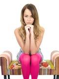 Durchdachte deprimierte besorgte junge Frau Lizenzfreie Stockbilder