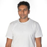 Durchdachter junger indischer Mann Lizenzfreies Stockfoto