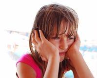 Durchdachtes Mädchen lizenzfreie stockfotografie
