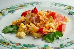 Durcheinandergemischte Eier mit Gemüse Lizenzfreies Stockfoto