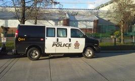 Durchfahrt-Polizeiwagen lizenzfreie stockfotos