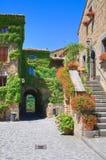 Durchgang. Civita di Bagnoregio. Lazio. Italien. Lizenzfreie Stockfotos