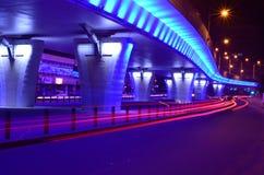 Durchgang geleuchtet nachts Lizenzfreie Stockbilder