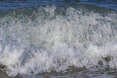 Durchschüttelndes blaues Wasser Stockfoto
