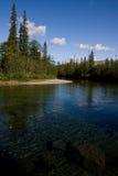 Durchsichtiges Wasser des Flusses Lizenzfreie Stockfotografie