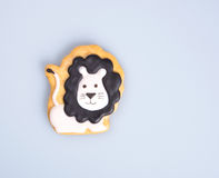 durcissez la décoration ou la décoration faite maison de gâteau de lion sur un backgrou Images stock