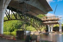 Durdevica Tara bågbro i bergen, nord av Montenegro Royaltyfri Bild