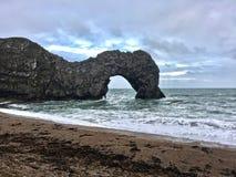 Durdle drzwi plaża z skały Obraz Royalty Free