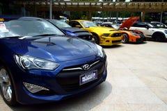 Dure en aangepaste luxe en raceauto's Stock Foto's