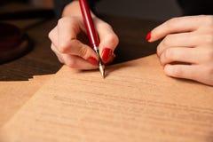 Duren de de notaris` s openbare pen en zegel op testament en zullen Notaris royalty-vrije stock fotografie