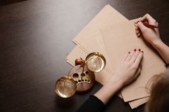 Duren de de notaris` s openbare pen en zegel op testament en zullen Notaris stock fotografie