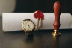Duren de de notaris` s openbare pen en zegel op testament en zullen Notarishulpmiddelen stock foto