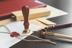 Duren de de notaris` s openbare pen en zegel op testament en zullen Notarishulpmiddelen royalty-vrije stock fotografie