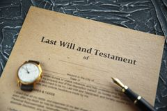 Duren de de notaris` s openbare pen en zegel op testament en zullen Notaris stock afbeelding