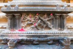 Durga zabija demonu, północy ściana, Subrahmanyam świątynia, Brihadisvara Świątynny kompleks, Tanjore, tamil nadu Fotografia Stock